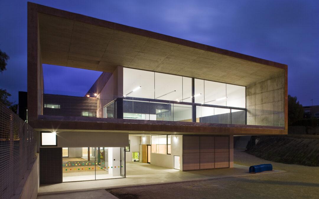 Cómo se relacionan arquitectura y educación